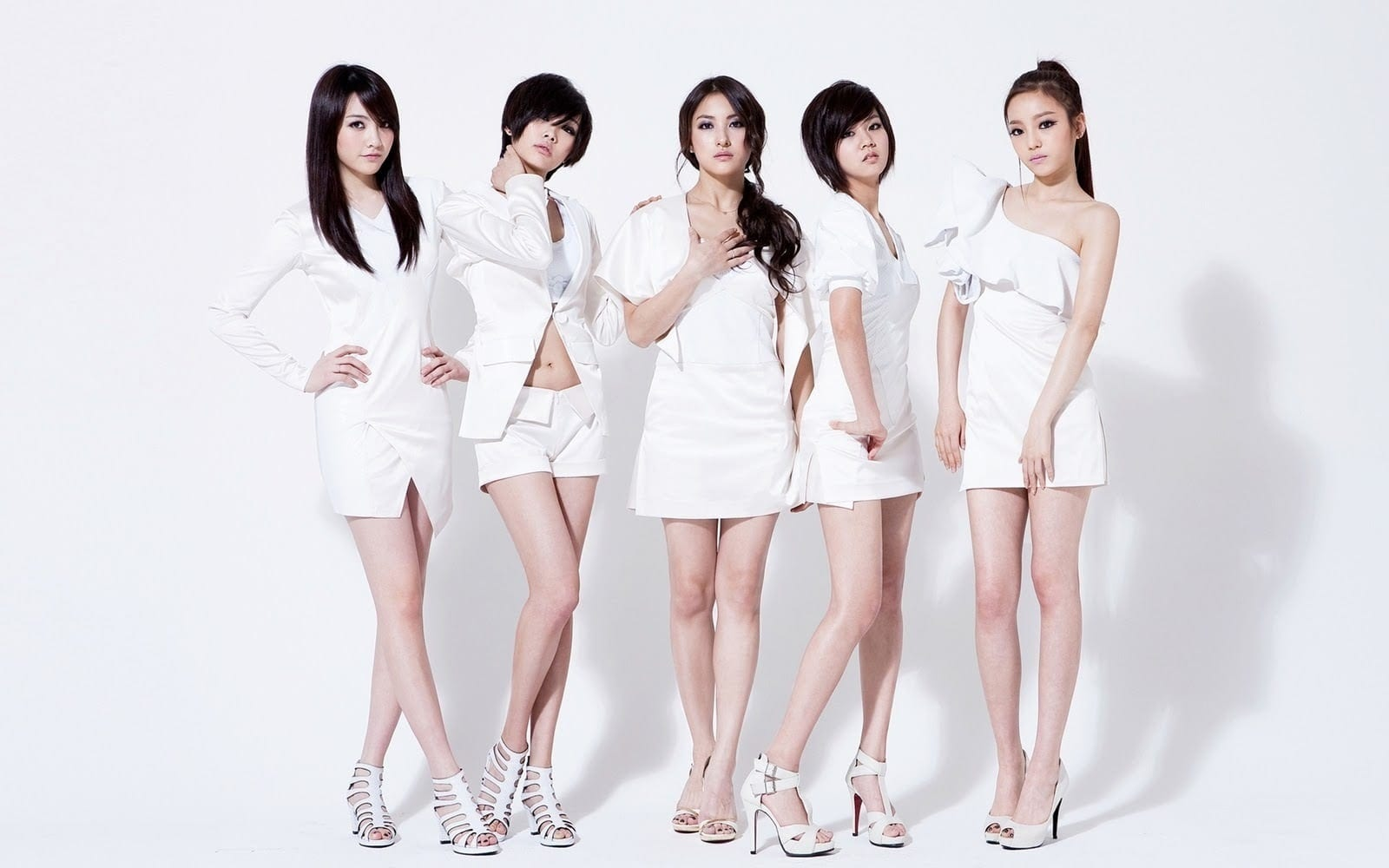 Kpop Group: Is Stick Skinny Not A Trend Anymore? #gg